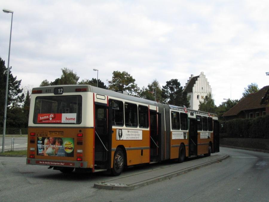 Århus Sporveje 411/RT94208 på endestationen ved Emiliehøj i Højbjerg den 4. oktober 2005