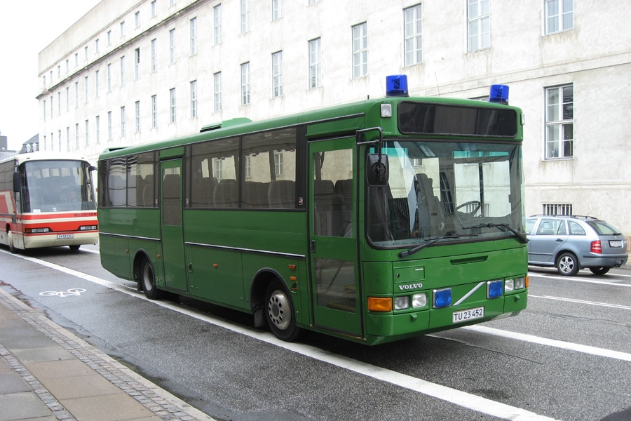 Københavns Politi TU23452 ved Københavns Politigård den 18. juni 2009