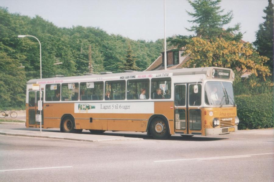 Århus Sporveje 099/HB88745 i Marienlund i Århus den 26. maj 1988
