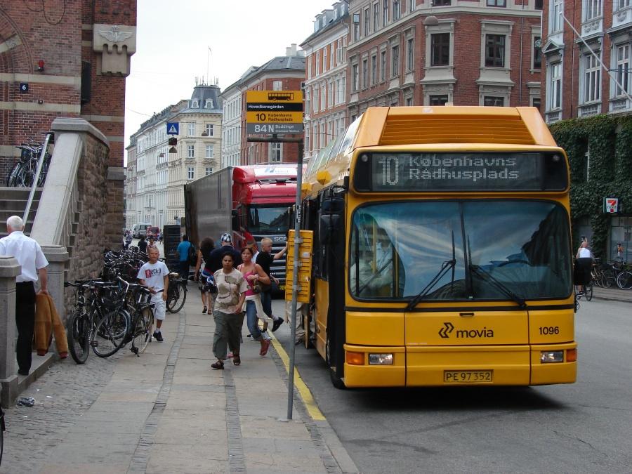 Arriva 1096/PE97352 i Rewentlowsgade i København den 1. juli 2009