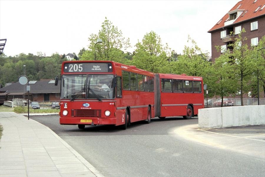 Combus 8117/LC88065 på Vejle Trafikcenter den 14. maj 1999