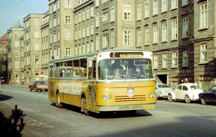 Århus Sporveje 103/AK90220 på Banegårdspladsen i Århus den 1. marts 1975
