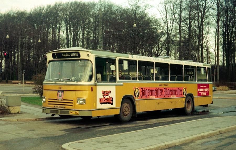 Århus Sporveje 118/AN97942 i Marienlund i Århus den 1. februar 1975
