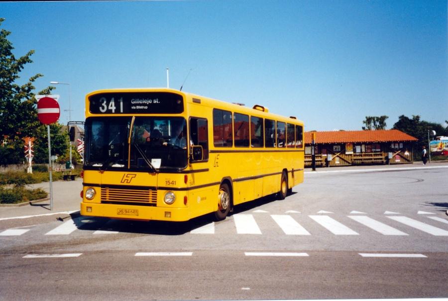 Arriva 1541/JS94635 ved Helsinge Station den 25. juli 2001
