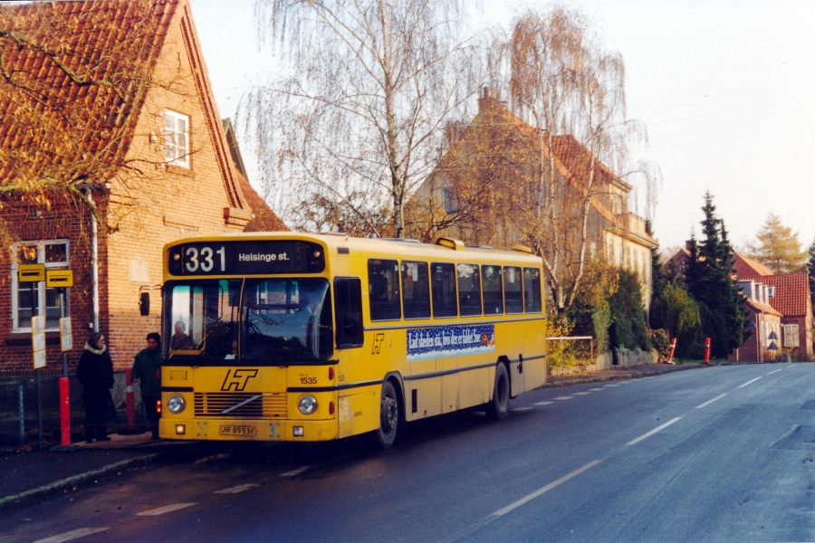 Arriva 1535/JR89531 på Østvej i Esbønderup den 16. november 2000