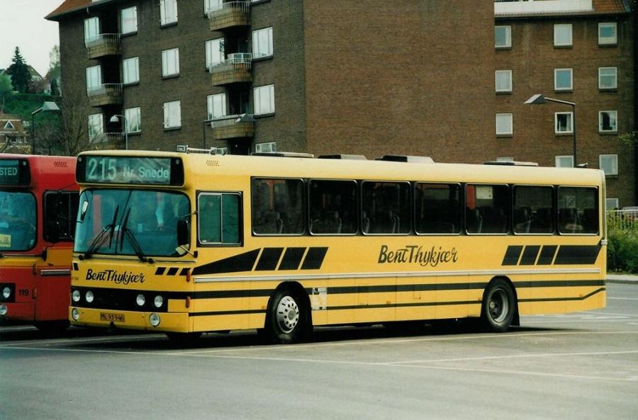 Bent Thykjær 104/ML93946 på Vejle Trafikcenter den 25. april 2000
