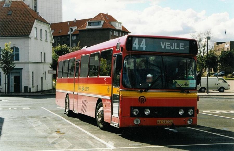 Vestruten 119/NY93094 på Vejle Trafikcenter den 31. august 1999
