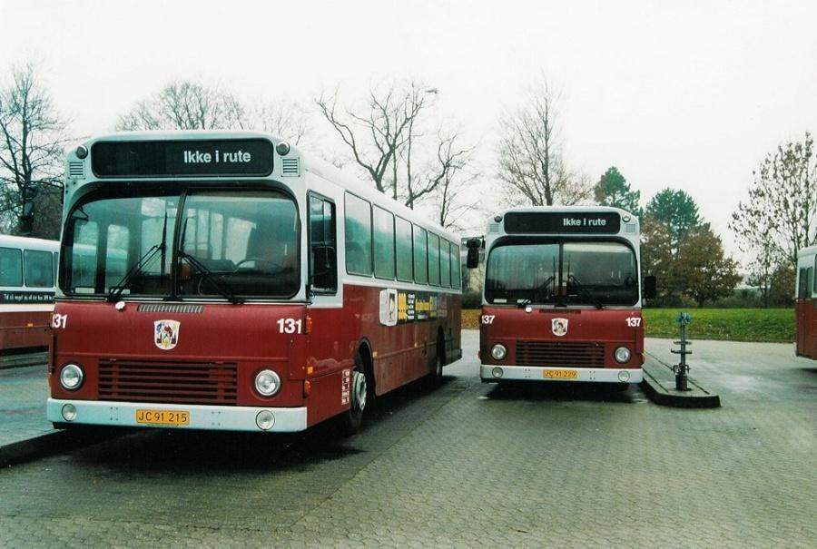 Odense Bybusser 131/JC91215 og 137/JC92229 i Odense den 22. november 2003
