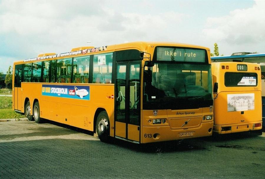 Århus Sporveje 613/SM95927 ved Buscenter Vest i Kolding den 18. maj 2003