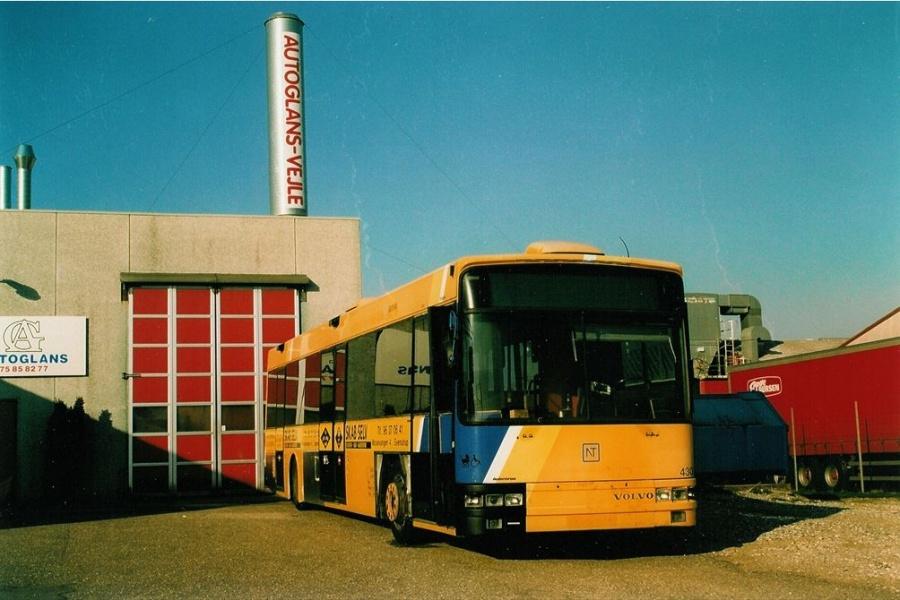 Arriva 4300/NY91050 ved Autoglans i Vejle den 22. april 2003