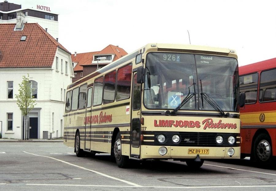Pan Bus 227/MZ89117 på Vejle Trafikcenter den 14. maj 1999