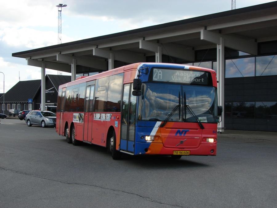 Arriva 8478/TB96606 ved Aalborg Lufthavn den 2. maj 2011