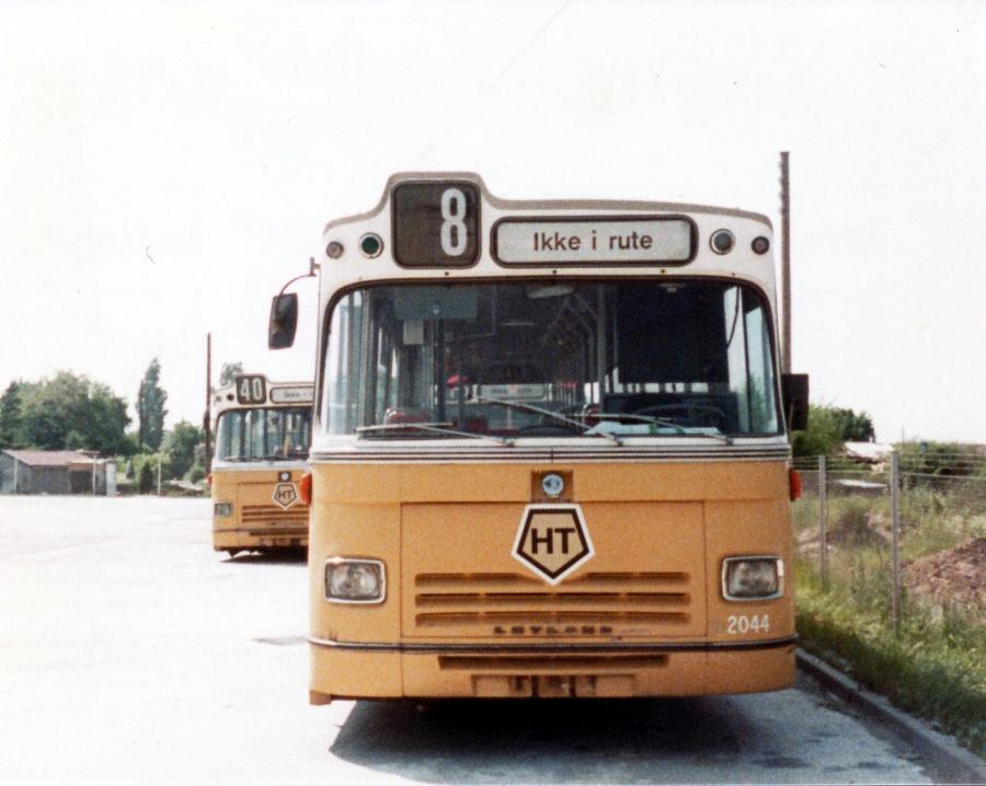 HT 2044 udrangeret i Artillerivej garage i juni 1984