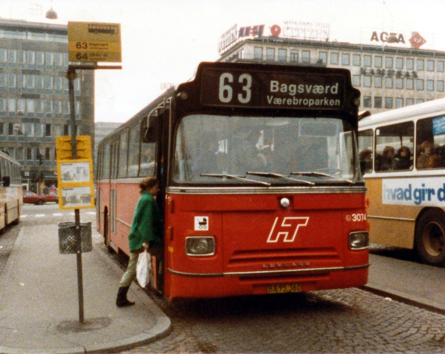 HT 3074/BX95360 på Rådhuspladsen i København i 1985