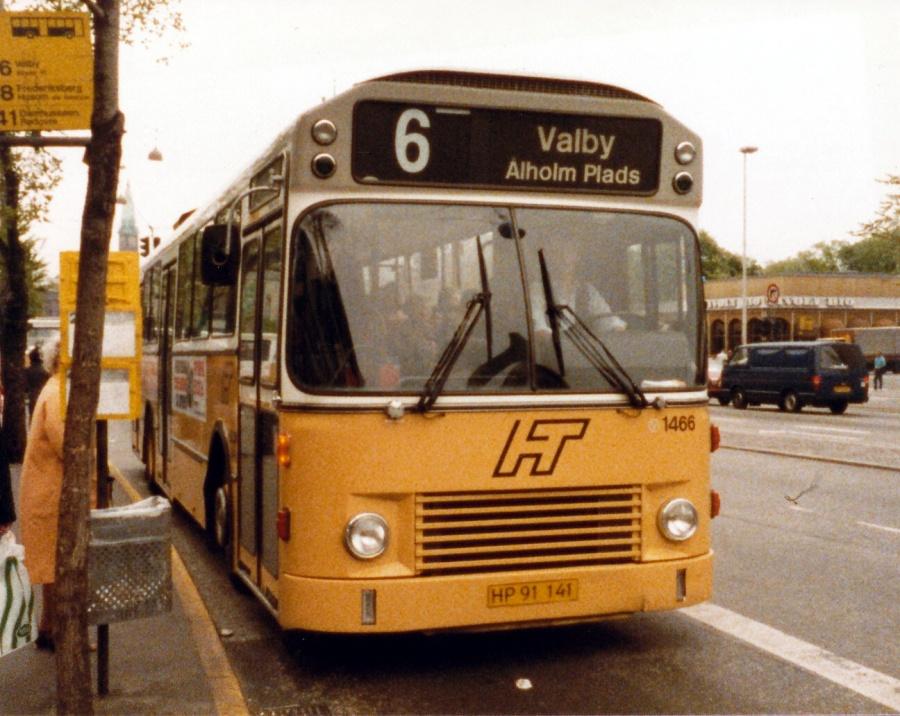 HT 1466/HP91141 på Vesterbrogade i København i juni 1986
