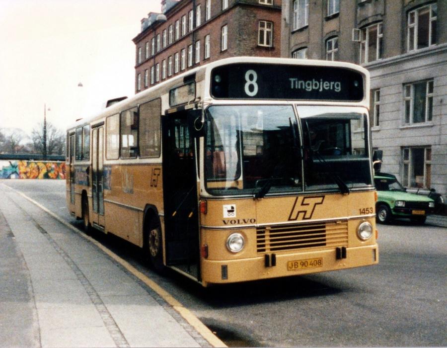 HT 1453/JB90408 på Bodenhoff plads i København i april 1986