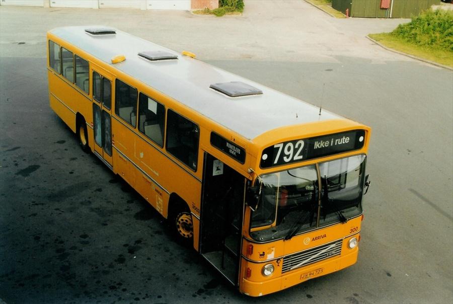 Arriva 3003/JS94723 i garagen på Norgesvej i Vejle den 17. maj 2001
