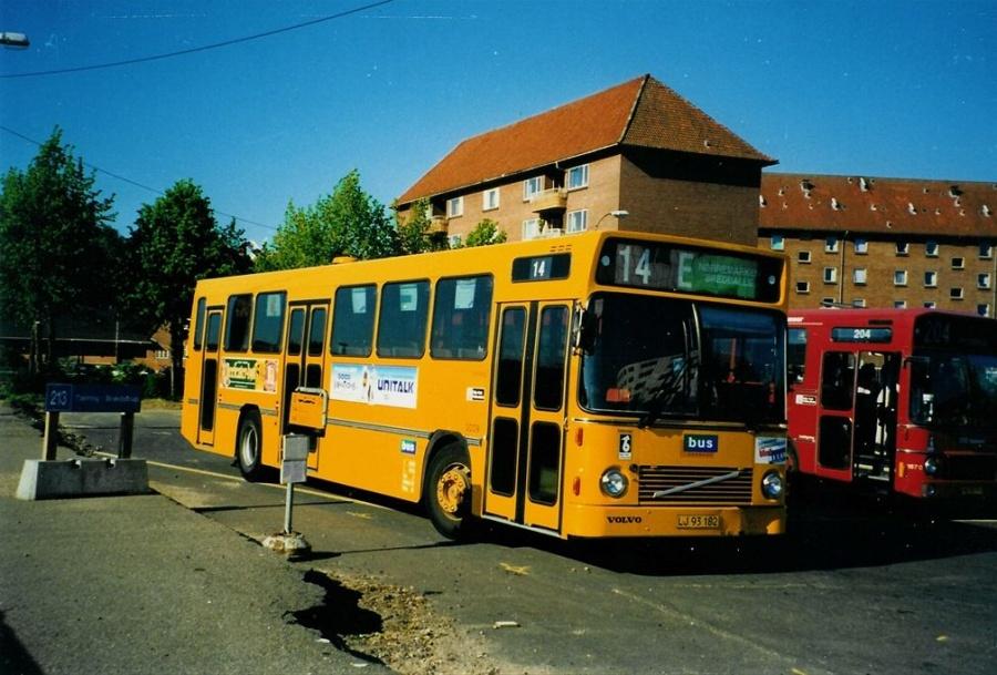 Bus Danmark 3009/LJ93182 på Vejle banegård den 11. juni 1997