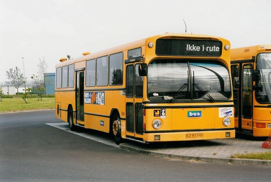 Bus Danmark 3029/EZ93541 i garagen på Norgesvej i Vejle den 27. maj 1999
