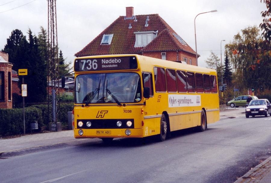 Arriva 7038/MV91401 på Tamsborgvej i Hillerød den 27. oktober 2000