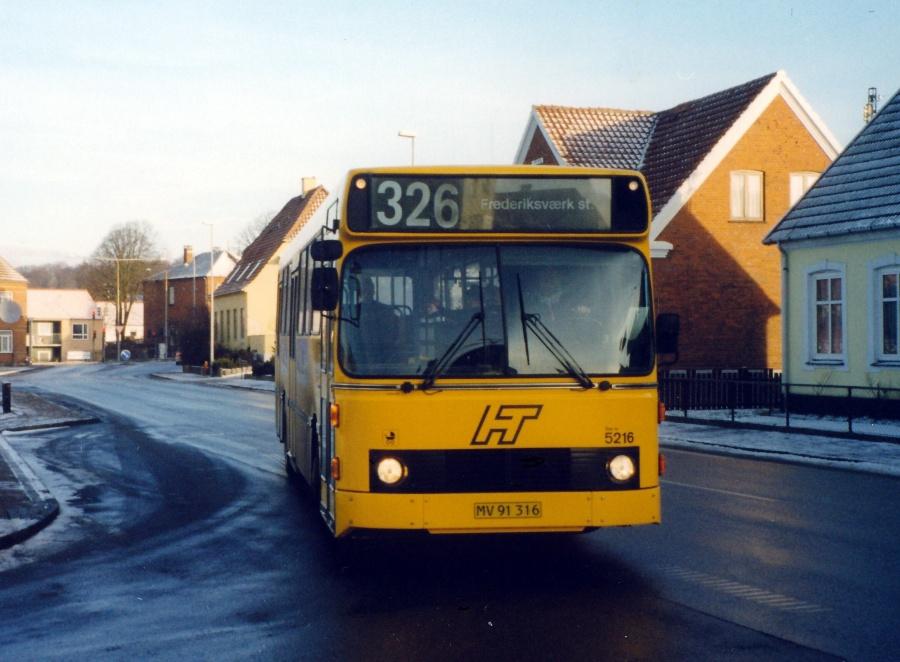 Combus 5216/MV91316 på Strandvejen i Frederiksværk den 24. januar 2000