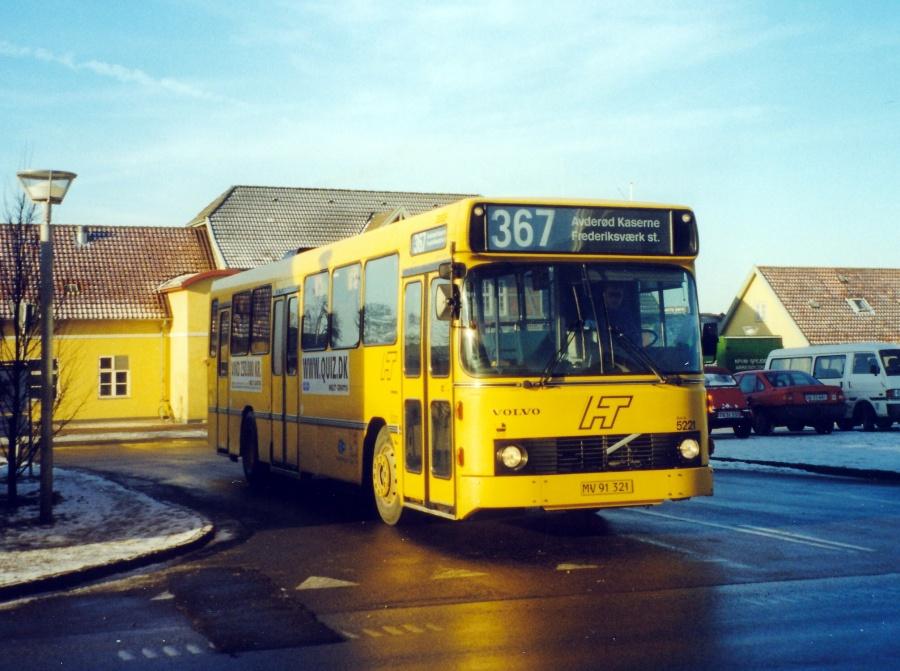 Combus 5221/MV91321 ved Frederiksværk Station den 24. januar 2000