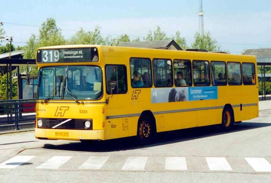 Combus 5223/MV91323 ved Frederikssund Station den 10. juni 2000