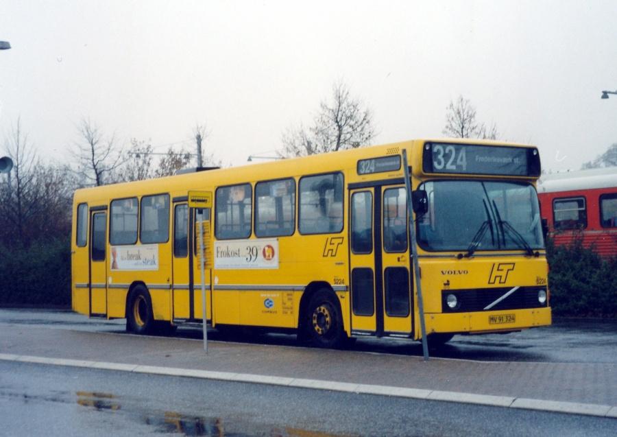 Combus 5224/MV91324 ved Hillerød Station den 17. november 1999