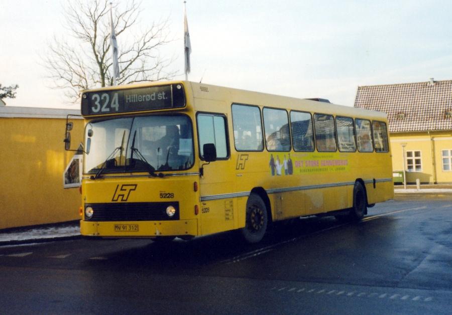 Combus 5228/MV91312 ved Frederiksværk Station den 24. januar 2000