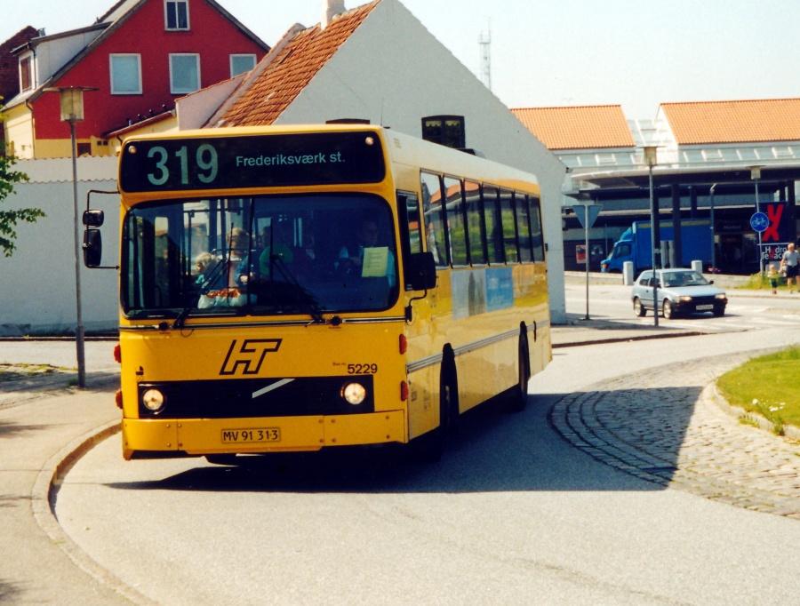 Combus 5229/MV91313 ved Frederiksborgvej i Frederikssund den 10. juni 2000