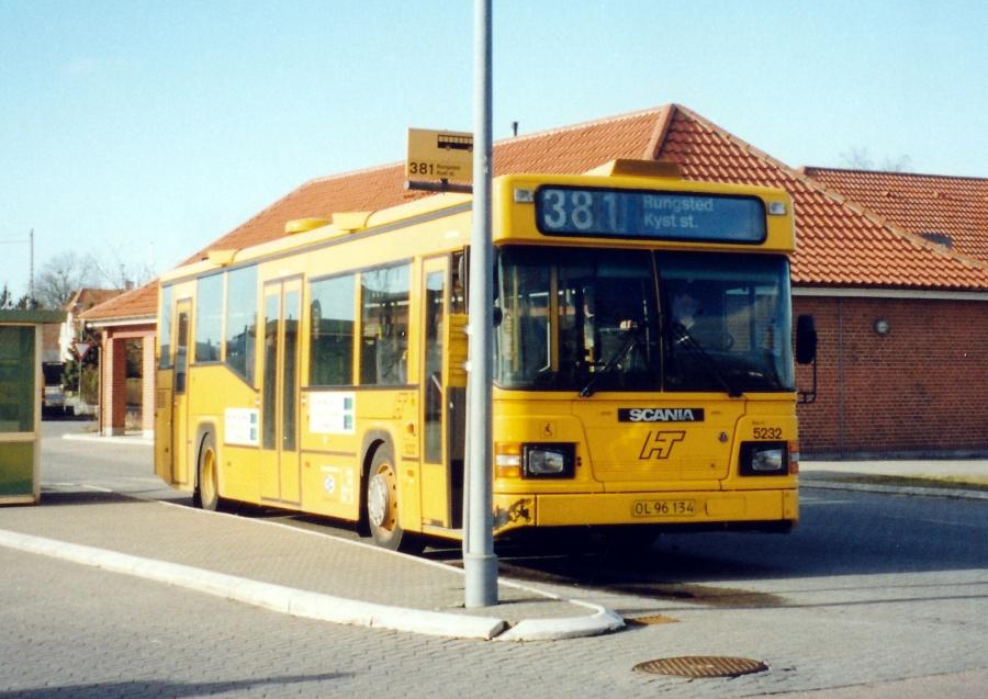 Combus 5232/OL96134 på Slangerup Rutebilstation den 14. februar 2000