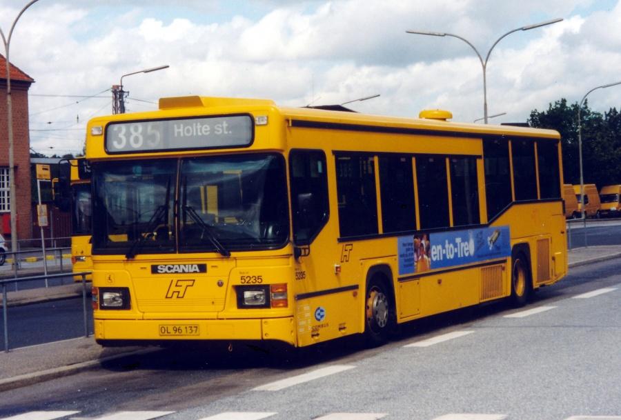 Combus 5235/OL96137 ved Holte Station den 25. juli 1999