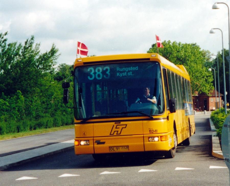 Combus 5241/OL91462 ved Kokkedal Station den 26. maj 2000