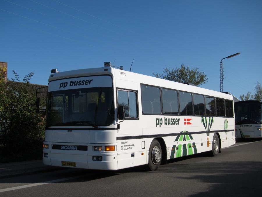 PP Busselskab XN89072 på Skæring Skolevej i Skæring den 30. april 2011