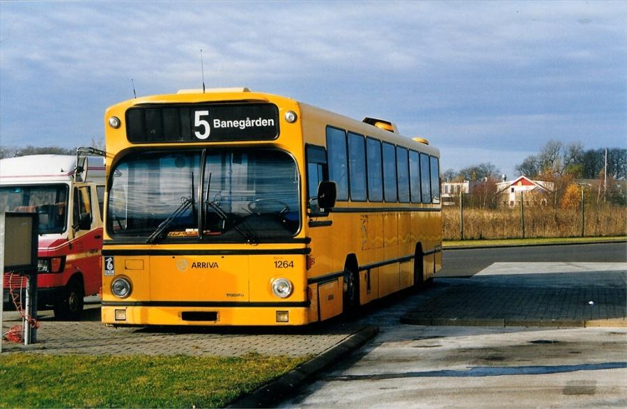 Arriva 1264/HJ97336 i garagen på Norgesvej i Vejle den 21. november 1999