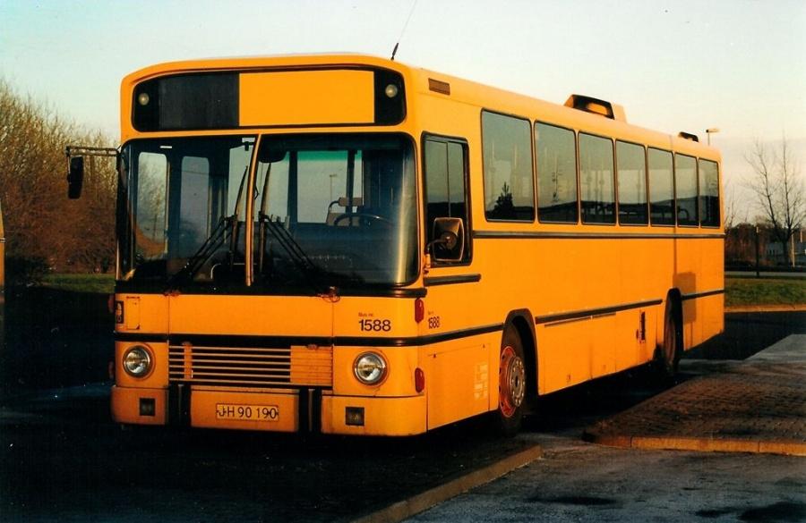 Arriva 1588/JH90190 på Norgesvej 1 i Vejle den 21. marts 2002