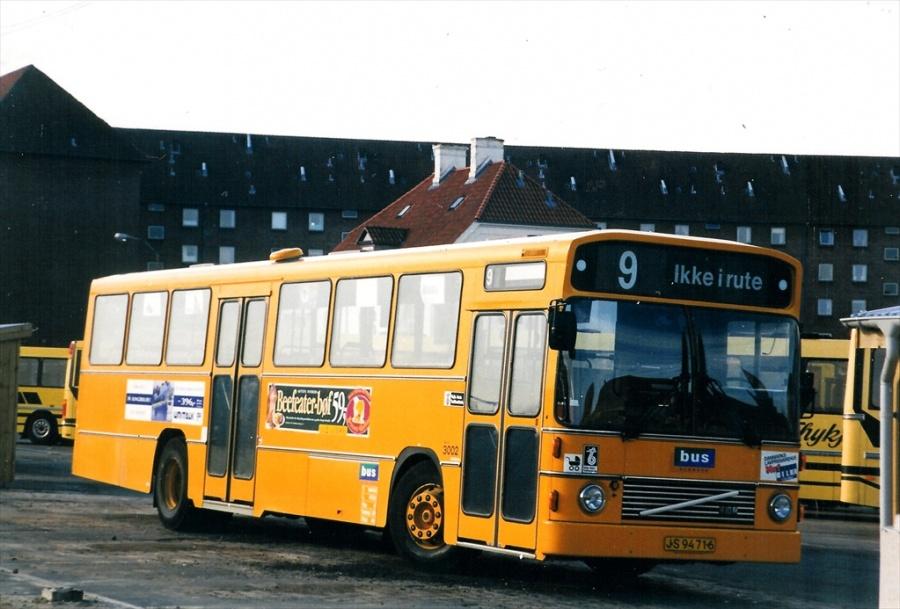Bus Danmark 3002/JS94716 på Vejle banegård den 12. marts 1997