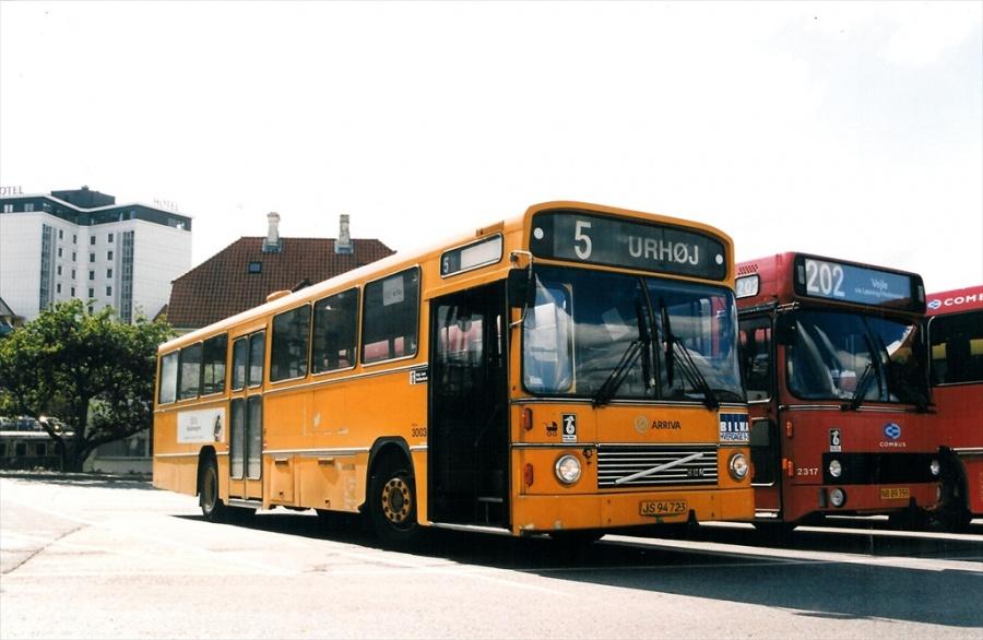 Arriva 3003/JS94723 på Vejle Trafikcenter den 10. juni 1999