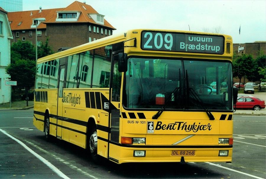 Bent Thykjær 101/OL88268 på Vejle Trafikcenter den 27. juli 2000