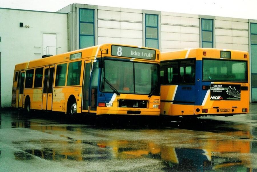 Arriva 4359 og 4278 i Arrivas garage på Gammelhavn i Vejle den 28. december 2002