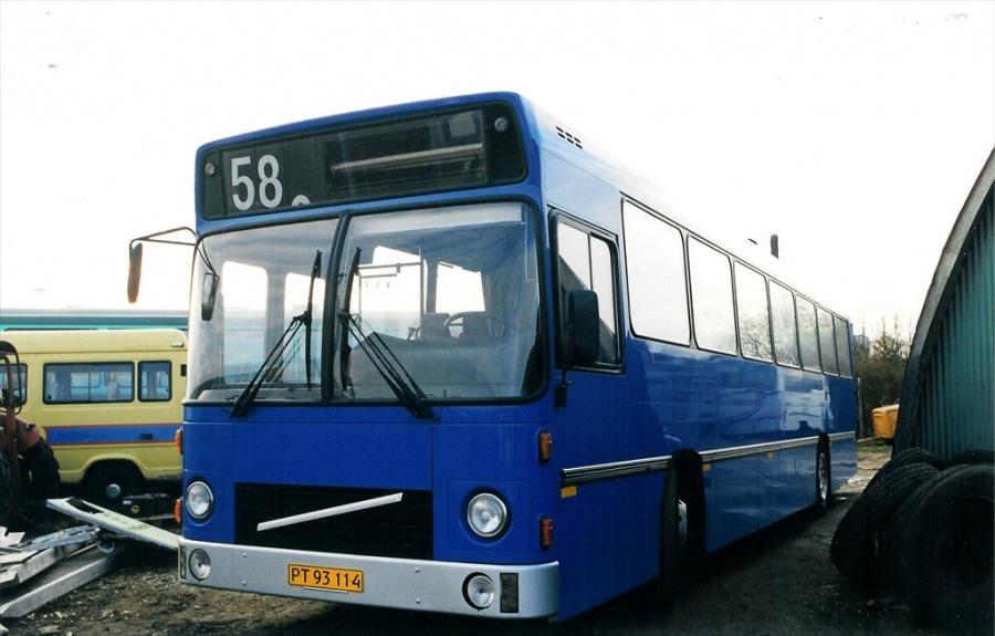 Møllers Busser PT93114 ved Vejle Busophug den 21. november 1999