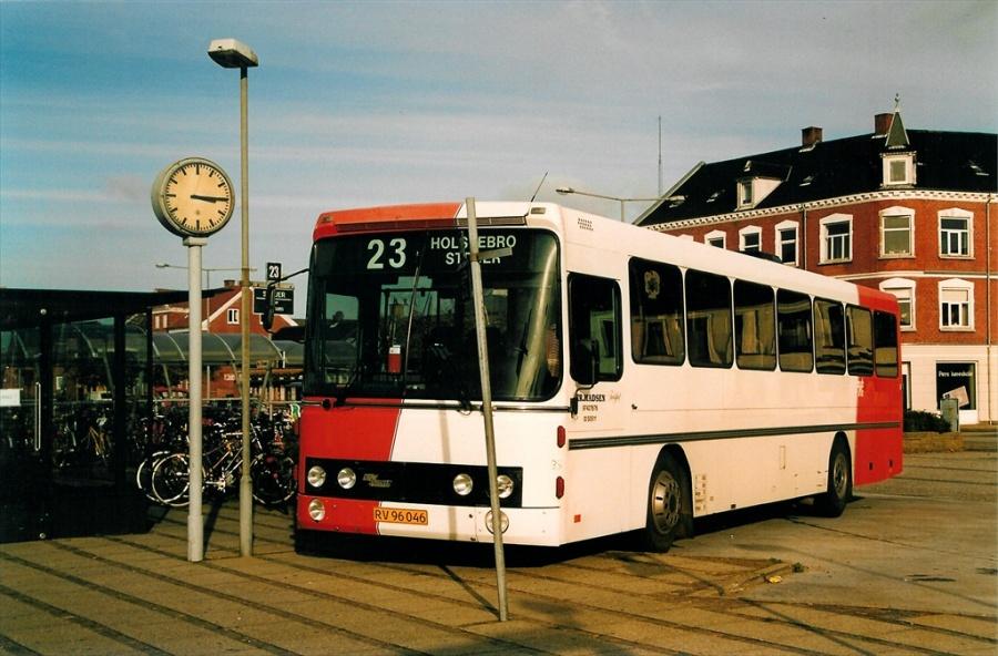 Holstebro Turistbusser 32/RV96046 på Holstebro station den 17. oktober 2001