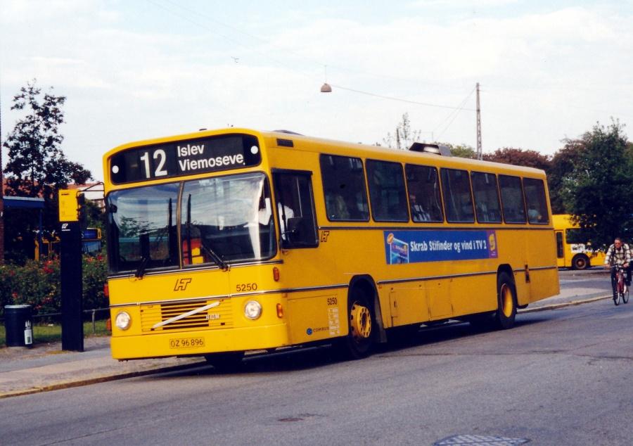 Combus 5250/OZ96896 på Øresundsvej i København den 29. august 2000