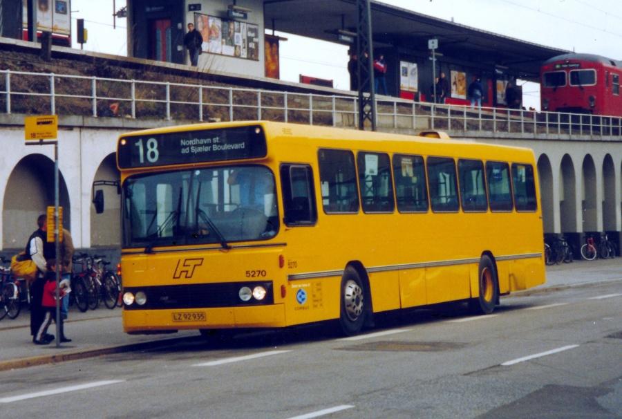 Combus 5270/LZ92935 ved Nordhavn Station den 10. marts 2000