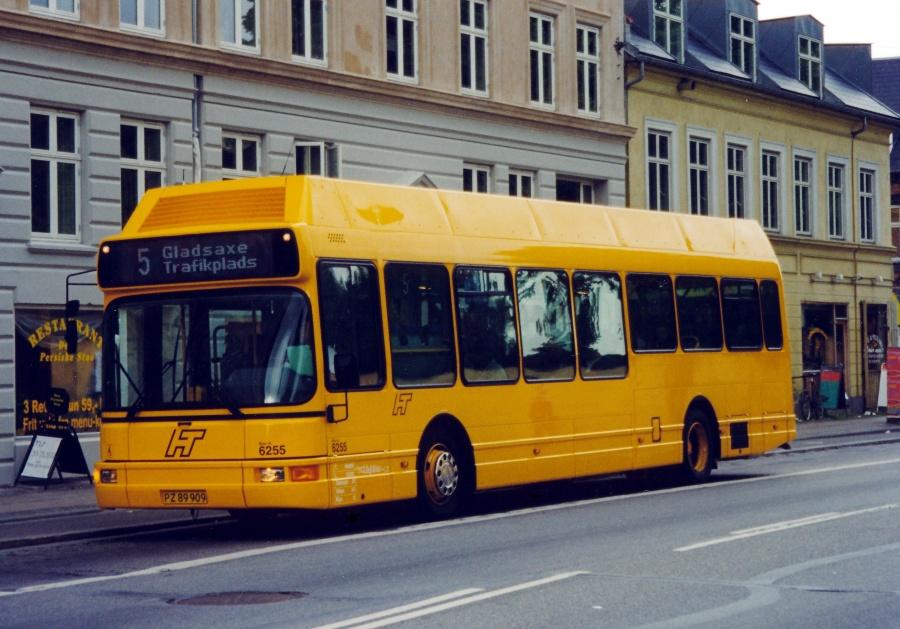 Linjebus 6255/PZ89909 på Nørrebrogade i København i juli 1999
