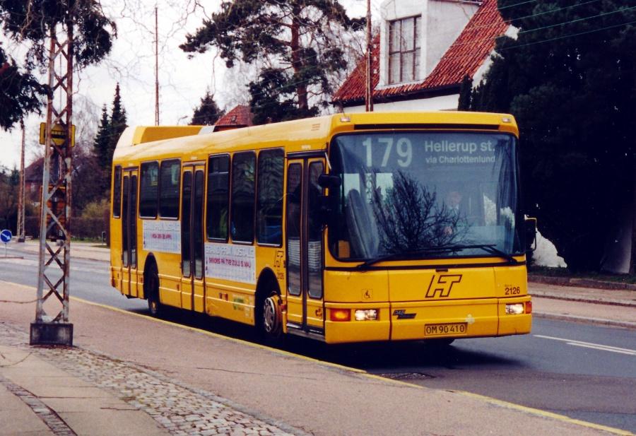 City-Trafik 2126/OM90410 på Maglemosevej i Charlottenlund den 17. april 2001