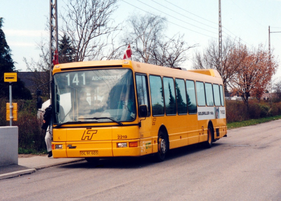 City-Trafik 2219/OL91603 på Egelundsvej i Albertslund den 1. maj 2001