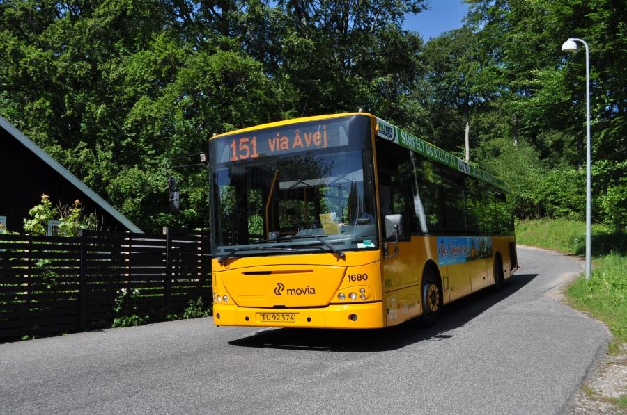 Arriva 1680/TU92374 på Stationsvej ved Hareskov Station den 4. juni 2011