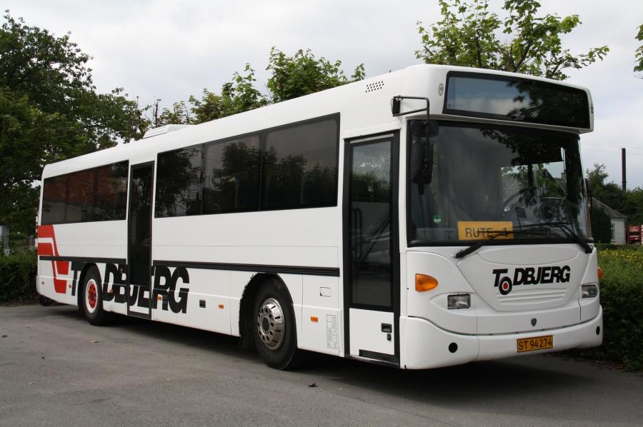 Todbjerg Busser ST94274 ved Molsskolen i Knebel den 4. juli 2011