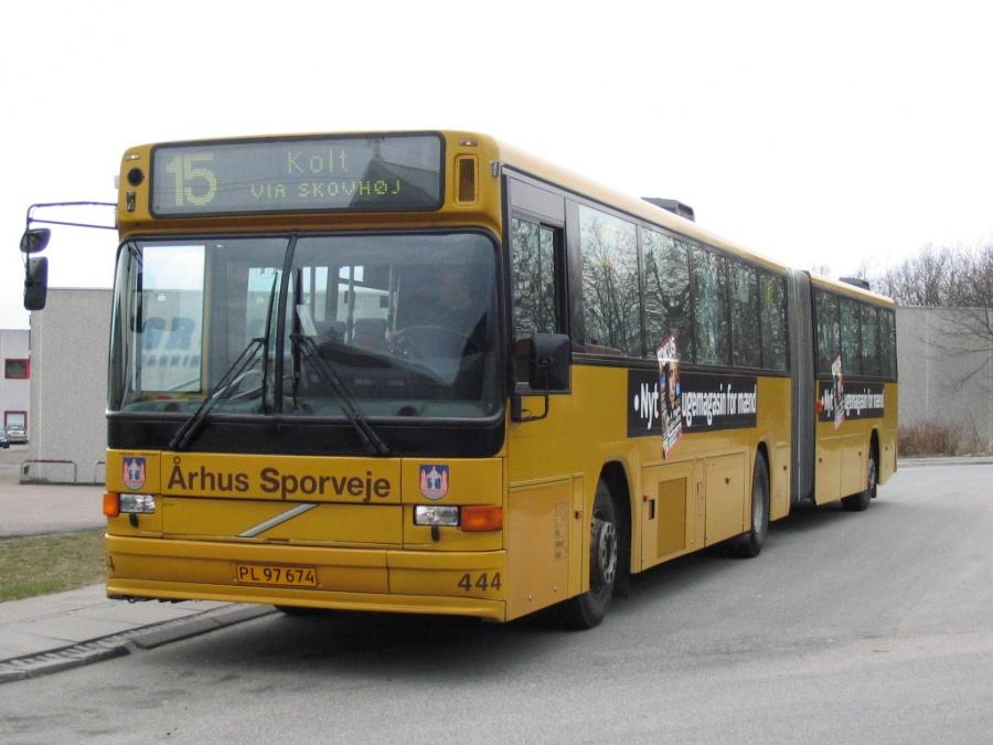 Århus Sporveje 444/PL97674 i Brabrand Nord den 11. april 2006